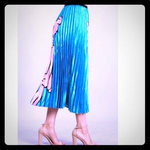 Dresses & Skirts - PLEATED SATEEN A-LINE MAXI SKIRT NWT IN BLUE/AQUA